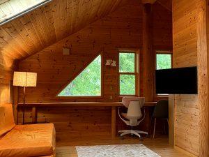 Izu House Luxury Log with Cozy Fireplace